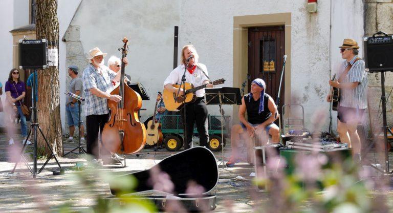 Lokal-Matador Hans-Jörg Autenrieth & die Countrybande